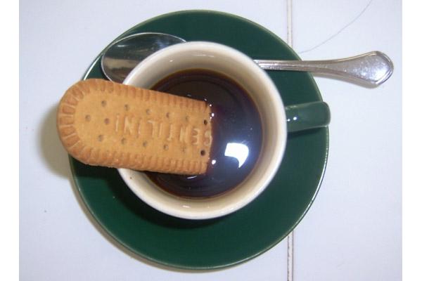 spuma [caffe' nero bollente]