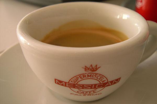 dicristi [una tazzina di caffe]