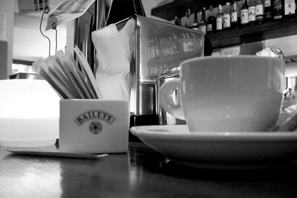 danyanais [un cafe solo]