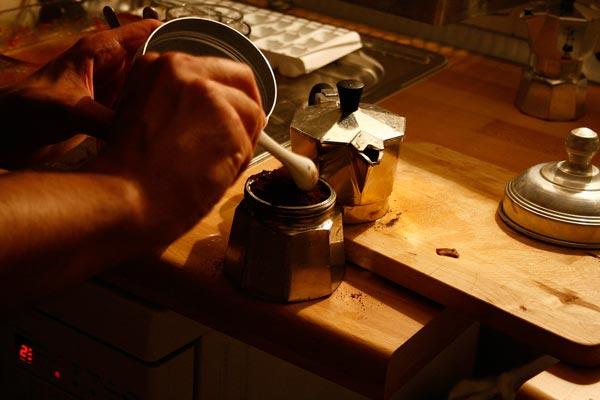 stefigno [ Preparando il caffe ]