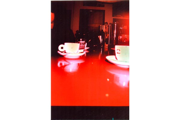 stefigno [ red table, two coffee   ]