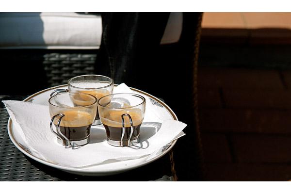 linda limine [ caffe all'aperto ]