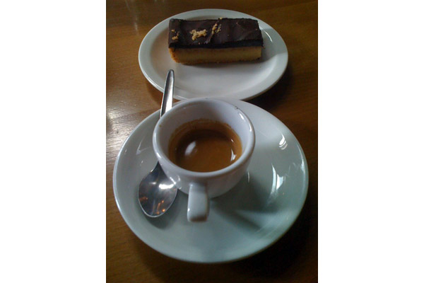 bricoalessio [ cake and coffe and eight ]