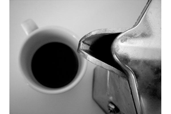 SiMoNa [Che ore sono] Moka vecchia, caffe buono.
