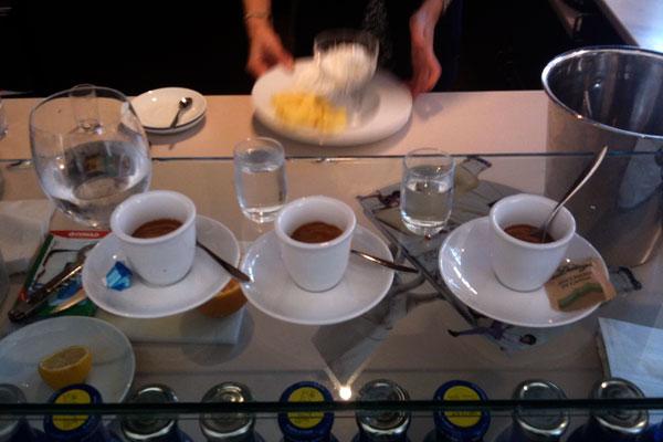 valentina cinelli [ caffe @ stazione di bologna ]