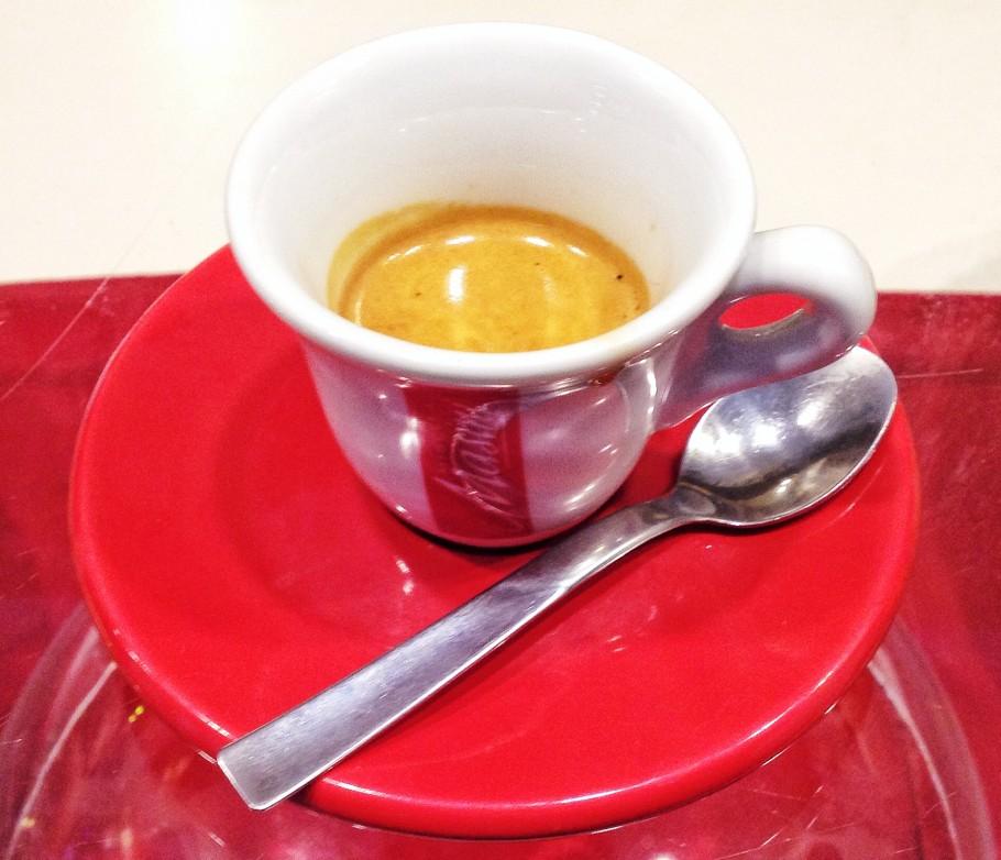 caffe-387-910x782