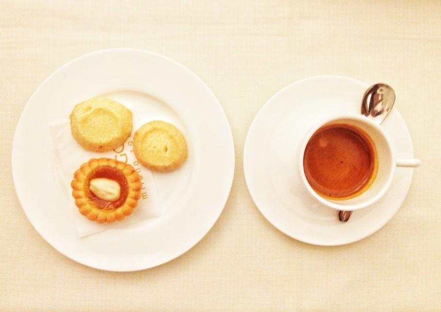 caffe-393-910x643