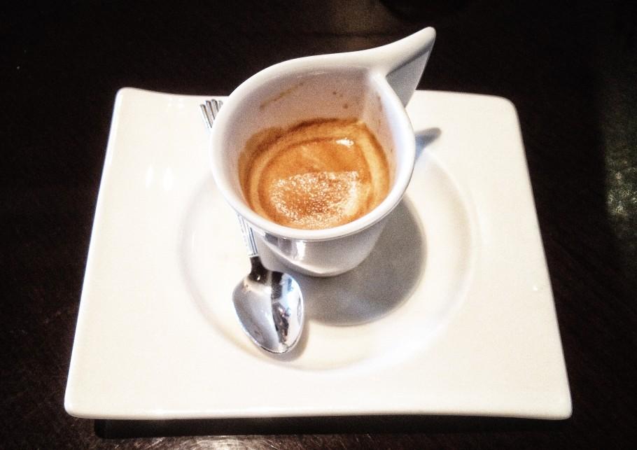 caffe-396-910x643