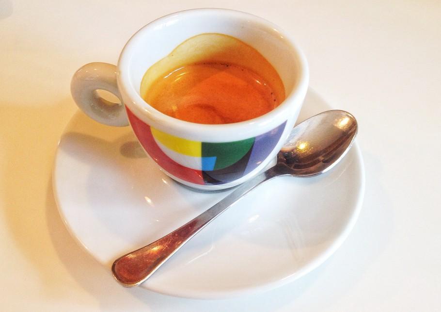 caffe-400-910x643