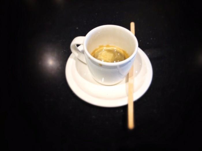 caffe-351-910x682