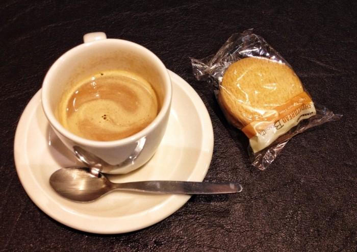 caffe-354-910x643