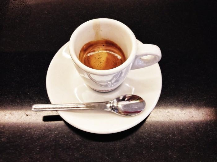 caffe-362-910x682