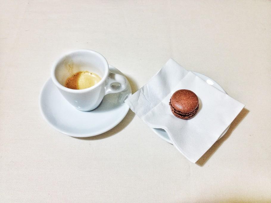 caffe-370-910x682