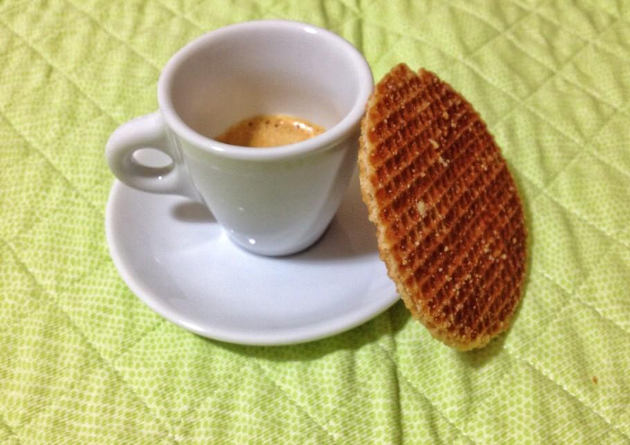 caffe-371-910x643