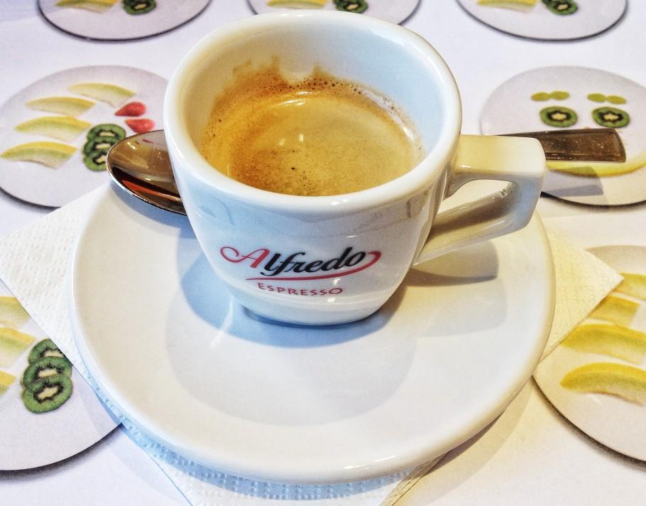 caffe-373-910x712