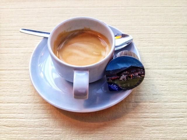 caffe-377-910x682