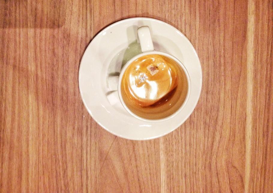 caffe-385-910x643