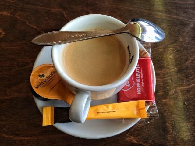 caffe-420-910x682
