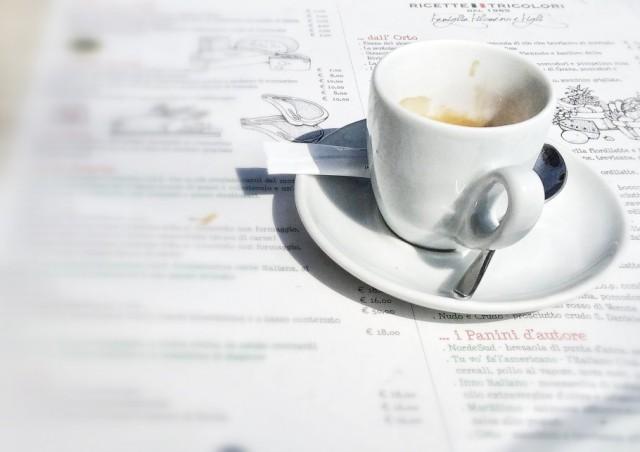 caffe-426-910x643