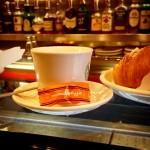 Caffè, cornetto e ammazzacaffè