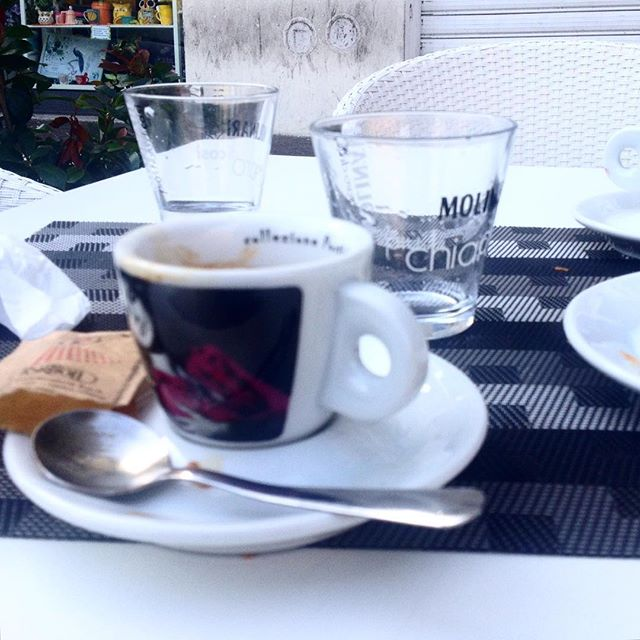 Al bar, by @bastet #cafexperiment-media-1