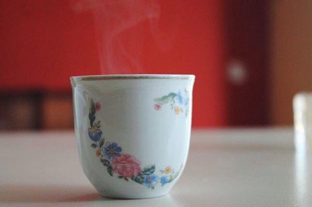 ph @valentina_arch_ Buongiorno a questo giorno che si sveglia oggi con me,buongiorno al latte ed al caffè (03•11•15)
