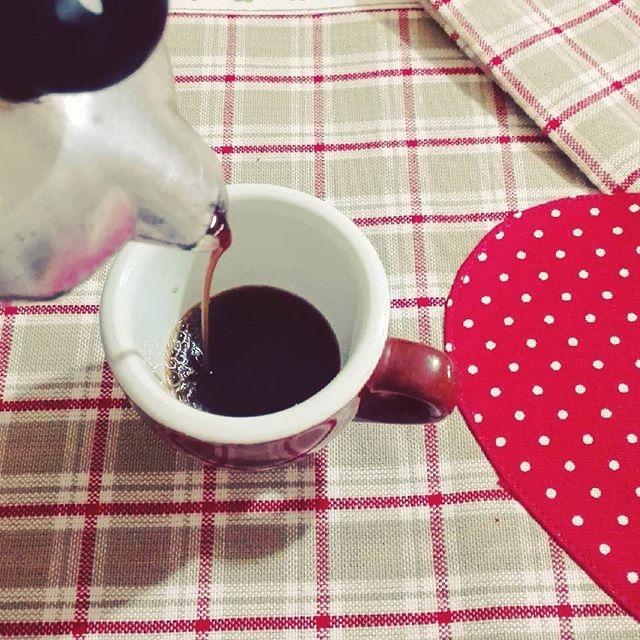 ph @marilenacapr Il mattino ha il caffè in bocca