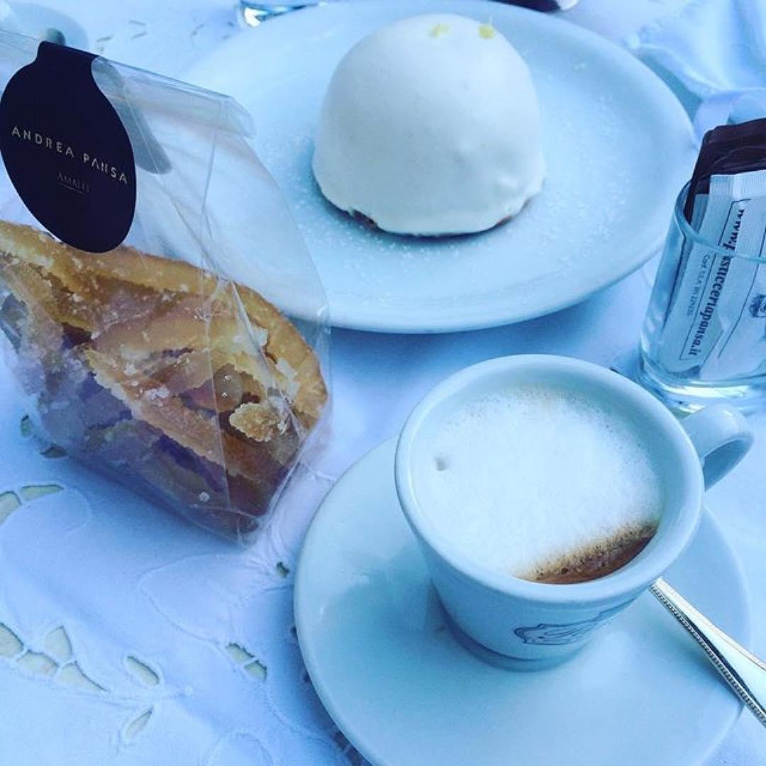 Delizia al limone, un ottimo caffè (come solo a Napoli o giù di lì lo sanno fa) e limoni canditi by Andrea Pansa | @gemella
