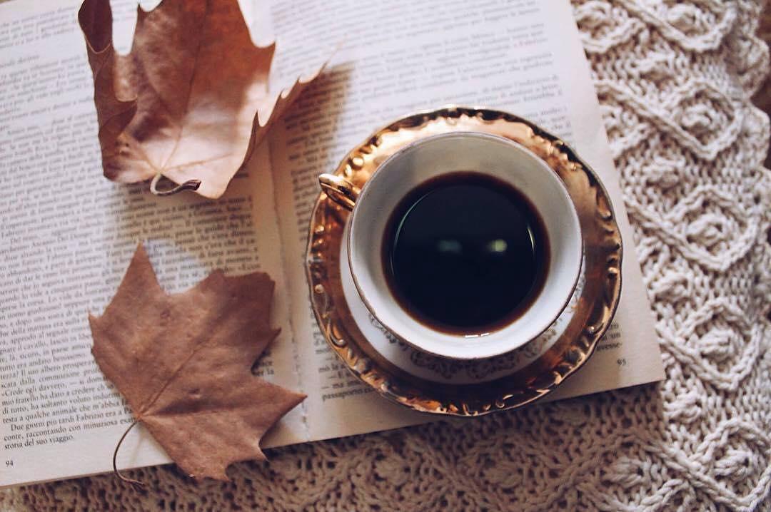 Buongiorno ☕️🍂 • 1 Ottobre • | ph @valentina_arch_