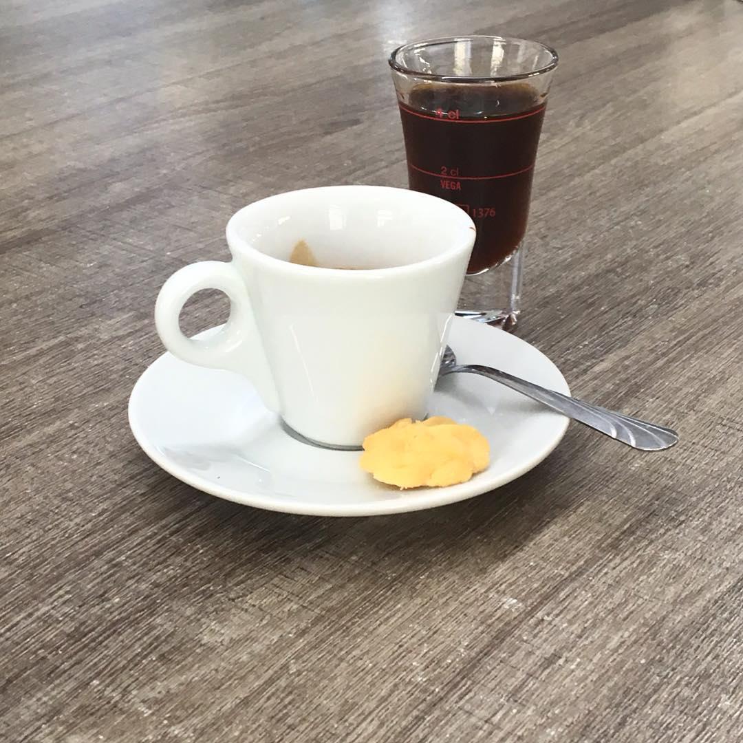 Caffè, ammazzacaffè e Fernet, grazie | ph @bastet