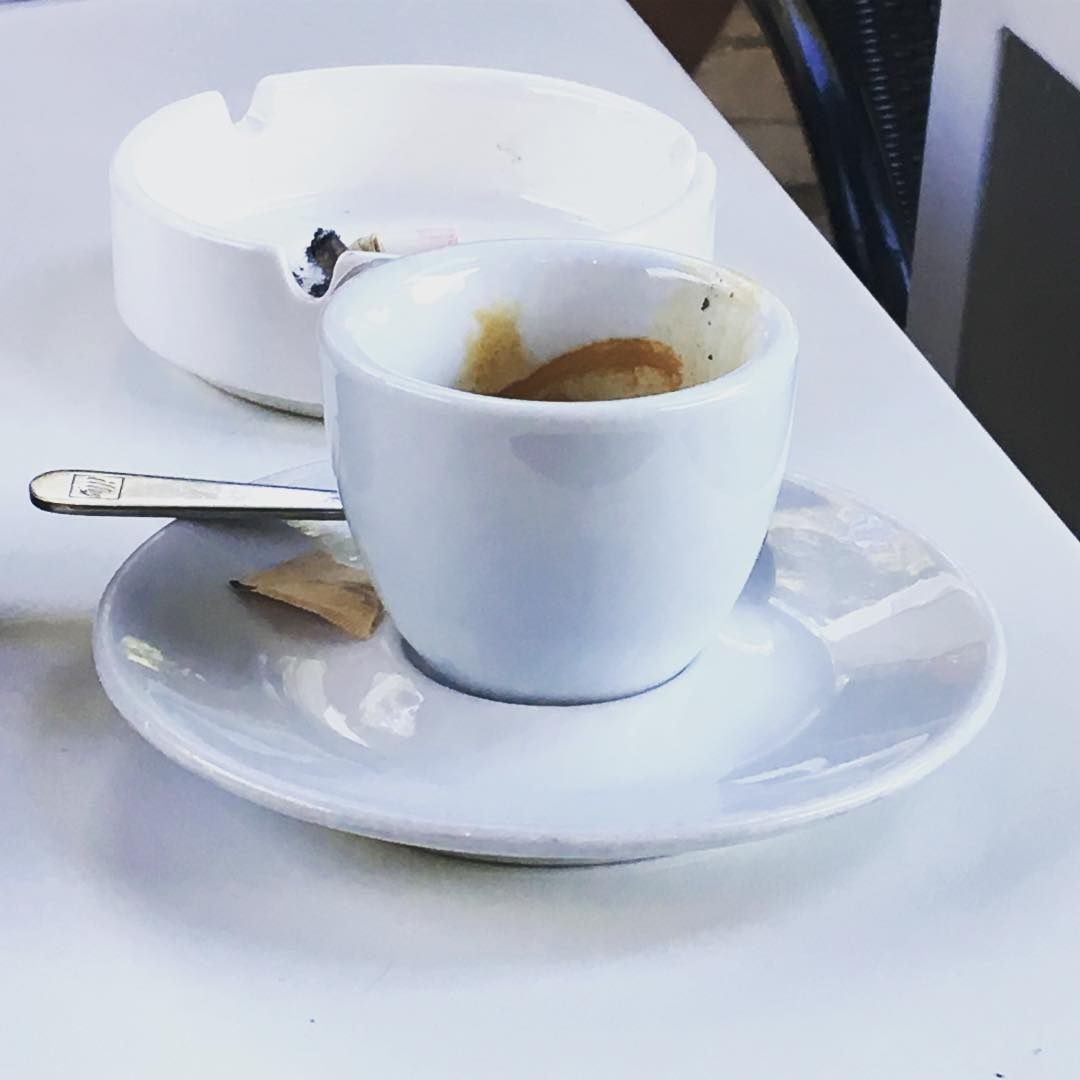 Caffè e sigaretta / Coffee and cigarette | ph @bastet