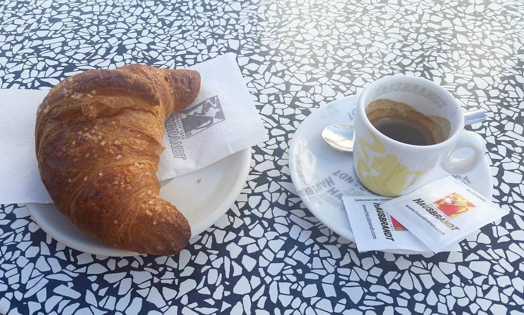 Caffè senza zucchero | ph @max_trolese