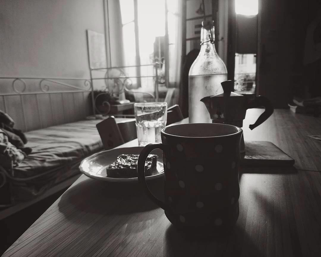 Milano, interno giorno, cielo livido, aria fresca, colazione e Paolo Conte | ph @mayastarlavi