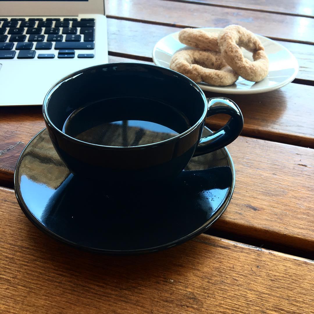 Caffè nero bollente | ph @bastet
