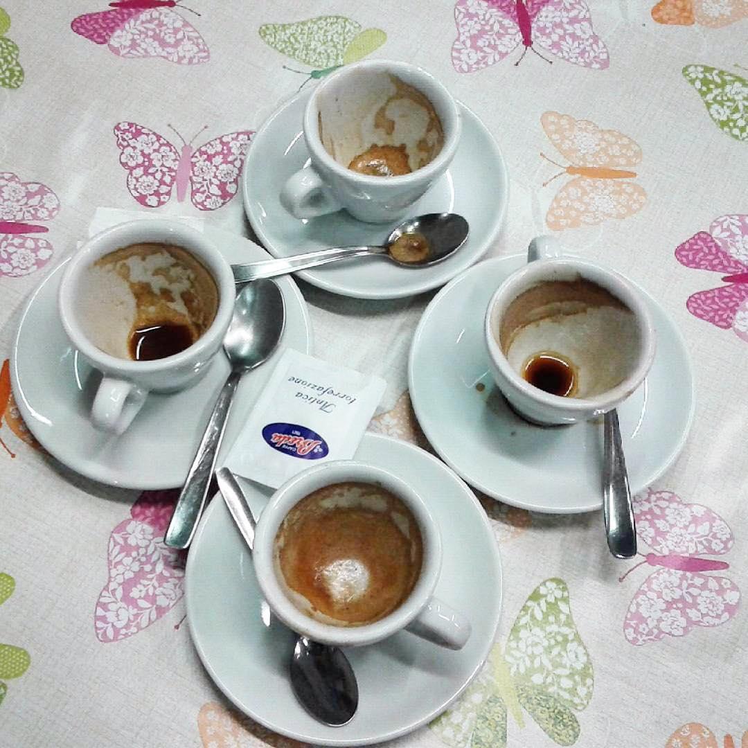 Quattro amiche al bar | ph @emanuela_de_rossi