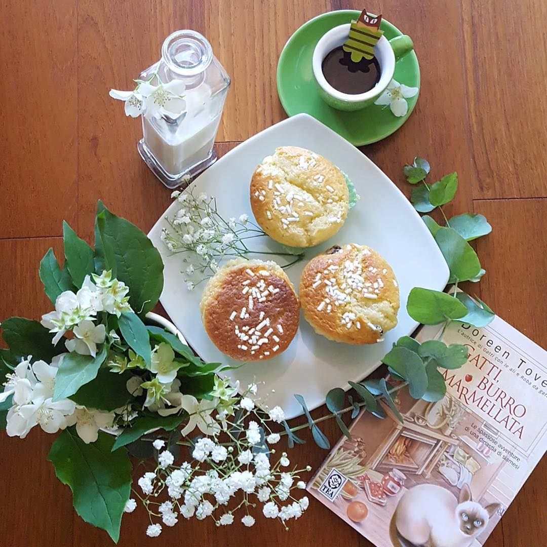 Colazione dolce e profumata con i muffin ai mirtilli di @assuntapecorelli | ph @shanty_la_gatta