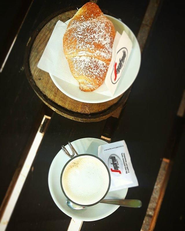 Buongiorno e felice sabato | ph @cheese_my_cake