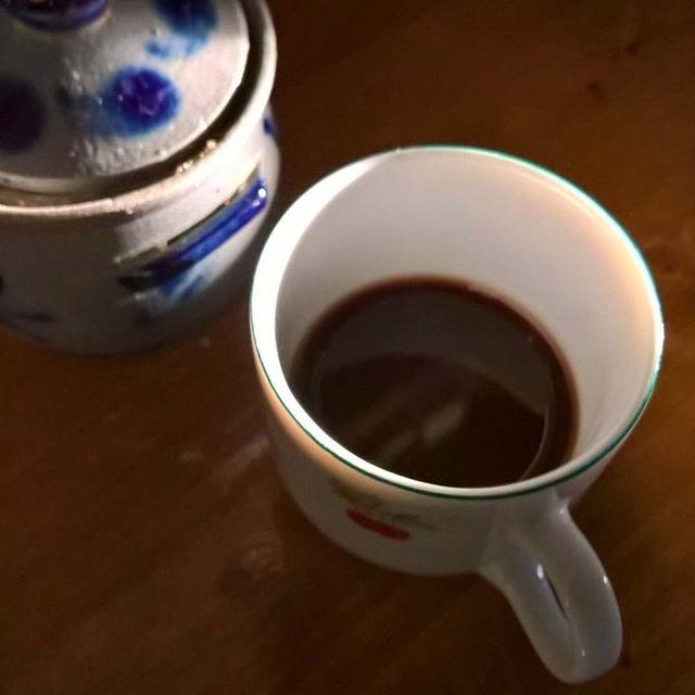 Luci, ombre, zucchero e caffè. | ph @nasinix
