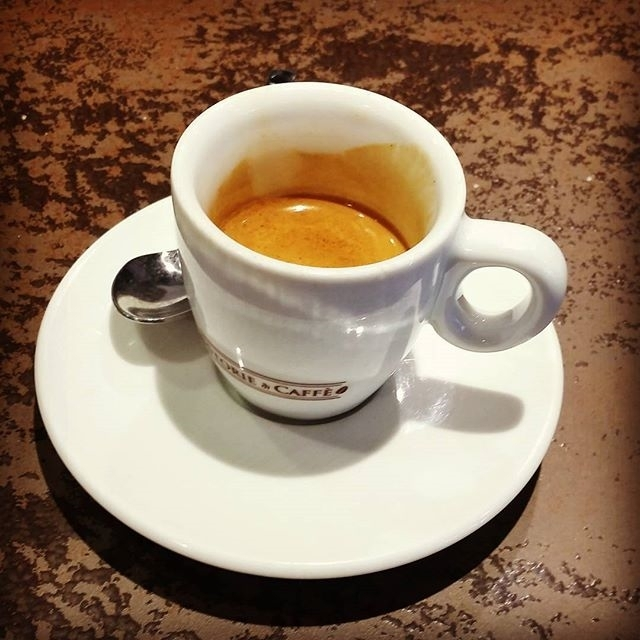 "Caffè ""veloce"" 🚘 | ph @massitrole"