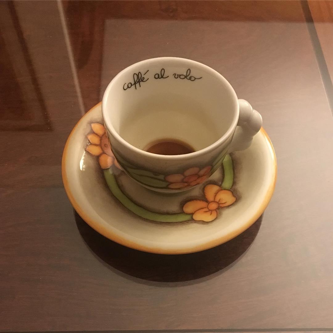 Caffè al volo | ph @bastet