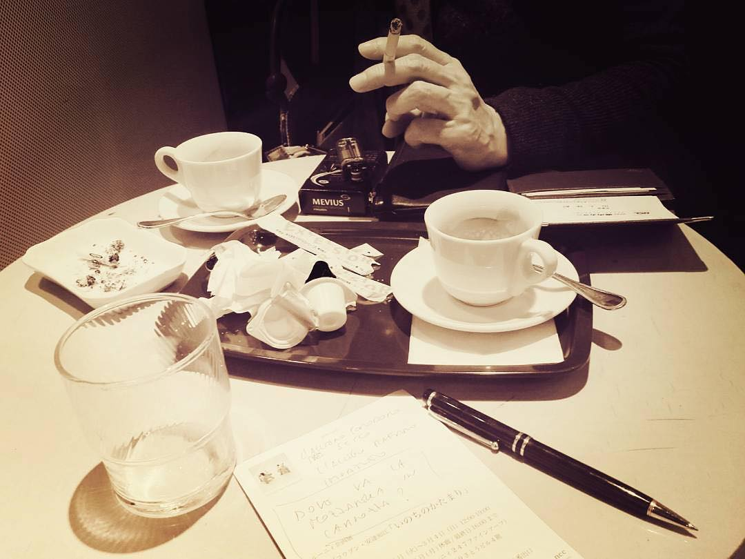 """Reposting @manueladeleonardis tnx @someopticnerve …⠀ """"Coffee time in Tokyo… parlando di allegri rafani e pomodori secchi… e non solo @reiko.italia"""""""