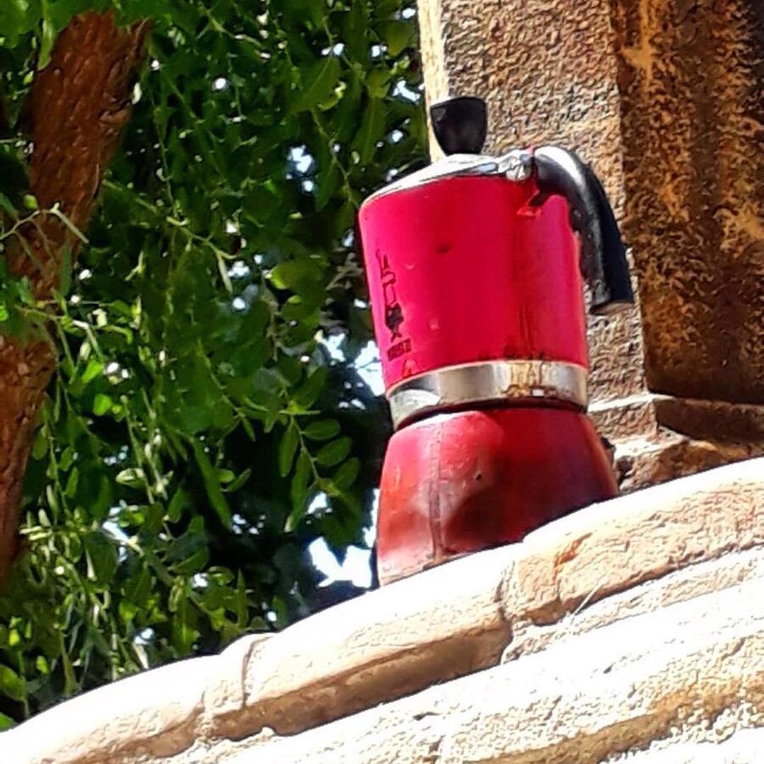 Un'idea per tenere il caffè sempre caldo | ph @emanuela_de_rossi