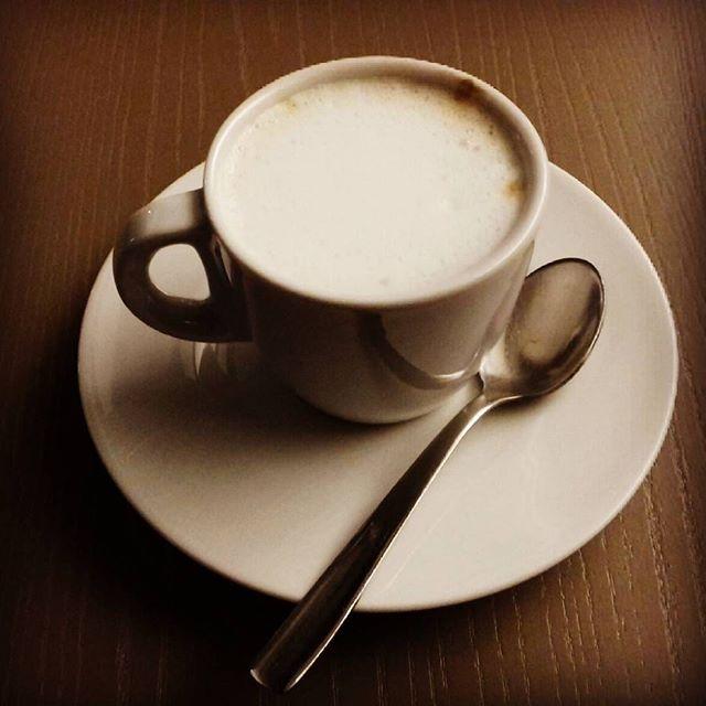 Caffè macchiato| ph @casanova_art_coffee_mt