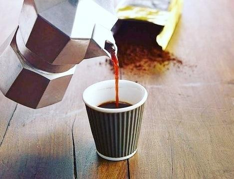 Il caffè è un abbraccio formato tazzina! ☕ | ph @le_mille_e_una_ricetta