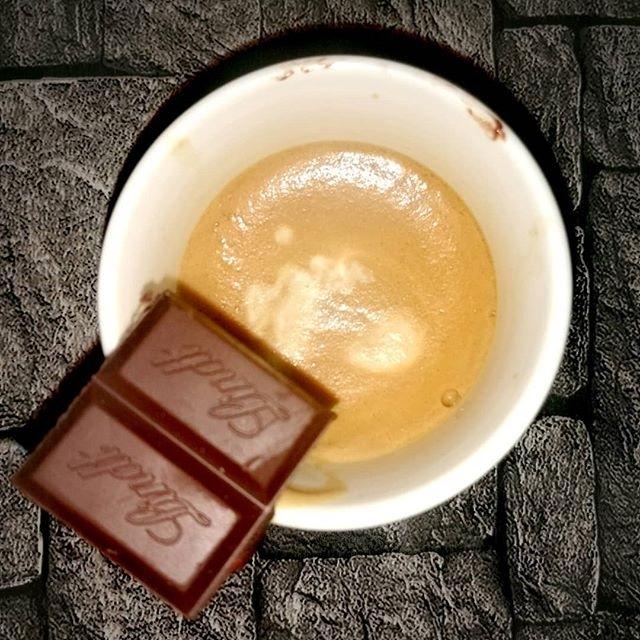 Se macchia deve essere, che sia di cioccolato | ph @ross_inside