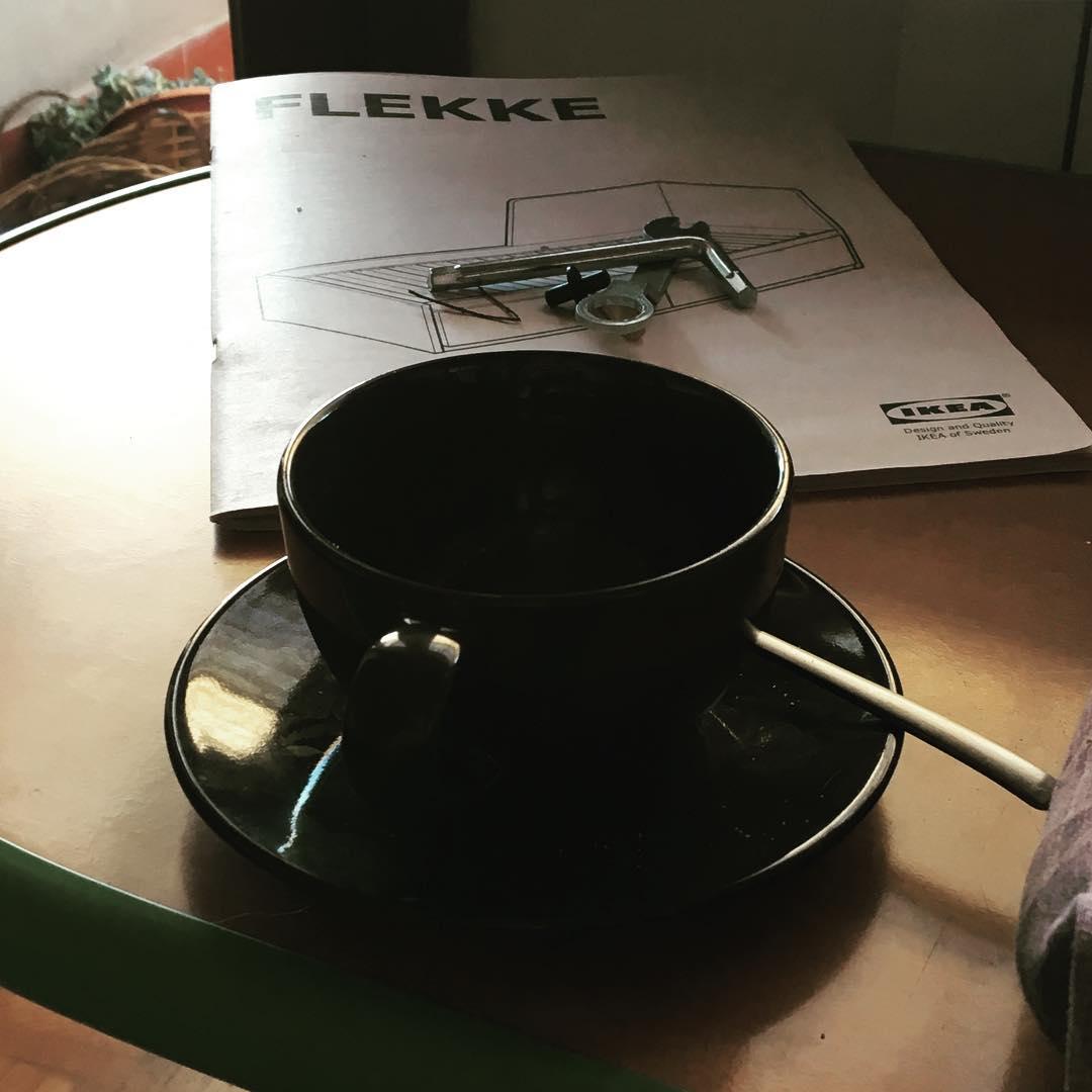 FLEKKE / Caffè & brucola