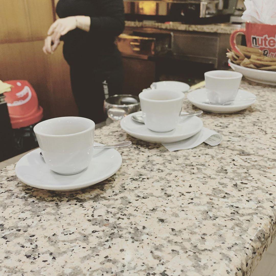 La vita è una bellissimo e interminabile viaggio alla ricerca della perfetta tazza di caffè. – Barbara A. Daniels